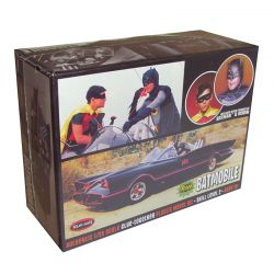 Kit de Montar Batmóvel 1966 com Figuras do Batman e Robin 1:25 Polar Lights