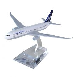 Miniatura Boeing 777 Copa Airlines 15 Cm Hb Company