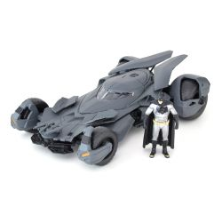 Miniatura Batmóvel Batman Vs Superman e Figura Batman em Metal 1:24 Jada Toys